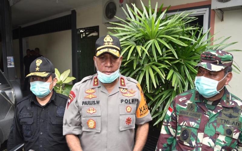 Kapolda Papua, Paulus Waterpauw, tengah memberikan keterangan pers pada Rabu (15/4/2020) - Dokumen Polda Papua.