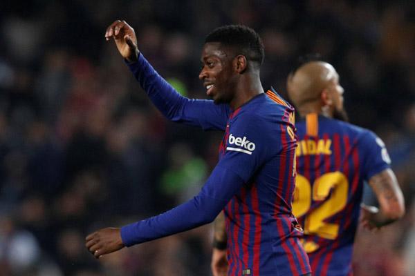 Penyerang FC Barcelona Ousmane Dembele - Reuters/Albert Gea