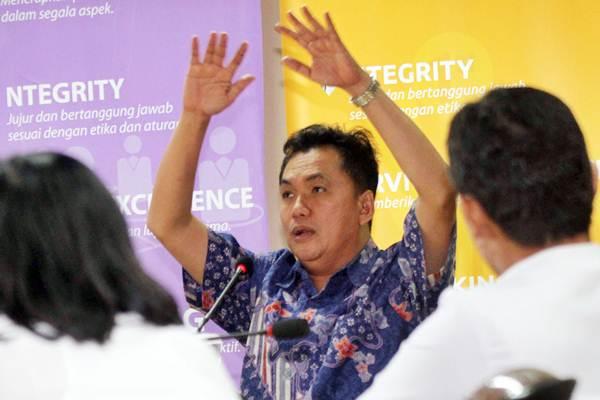 Kepala Badan Pengatur Hilir Minyak dan Gas Bumi (BPH Migas) Fanshurullah Asa berkunjung ke kantor Bisnis Indonesia, di Jakarta, Selasa (25/7). - JIBI/Endang Muchtar