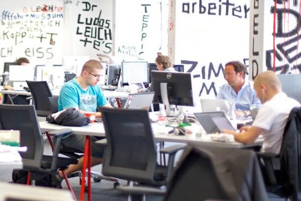 Ruang kantor Plug and Play. - Media / Plug and Play Tech Center