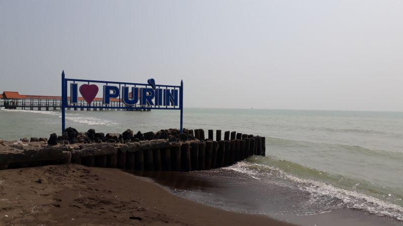 Wisata Pantai Purin di Desa Purwahamba, Tegal sepi pengunjung imbas lengangnya jalur Pantura, Sabtu (9/6). - Bisnis/Finna U. Ulfah
