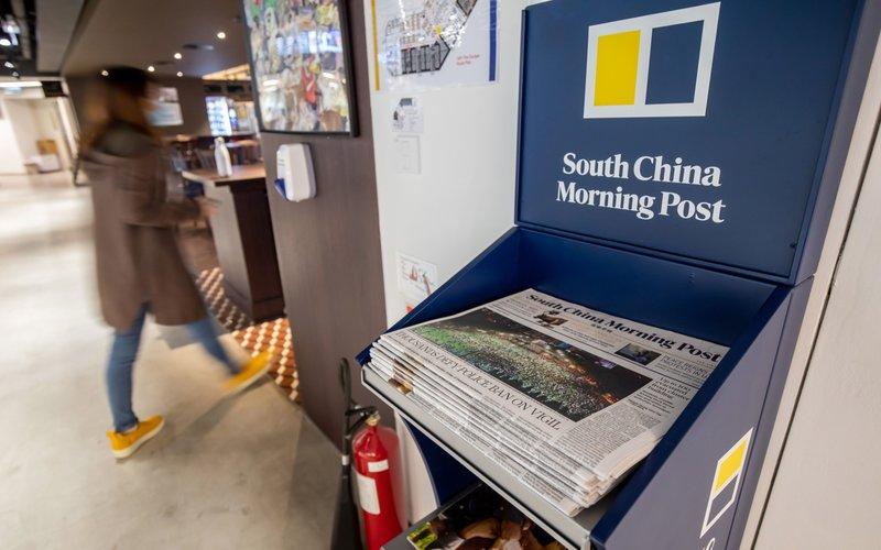 Surat kabar South China Morning Post mengalami penurunan pendapatan iklan yang cukup dalam akibat tekanan ekonomi dan kekisruhan di Hong Kong -  Bloomberg