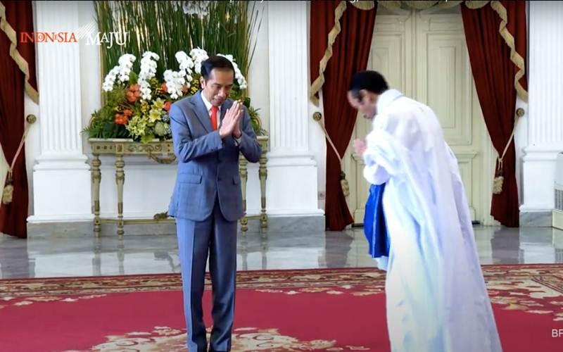 Presiden Joko Widodo menerima surat-surat kepercayaan dari duta besar asing secara langsung dengan menerapkan protokol Covid-19 di Istana Merdeka, Jakarta, Rabu (10/6/2020). - Youtube/Sekretariat Presiden