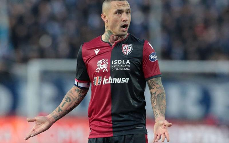 Gelandang Cagliari Radja Nainggolan - Sempre Inter