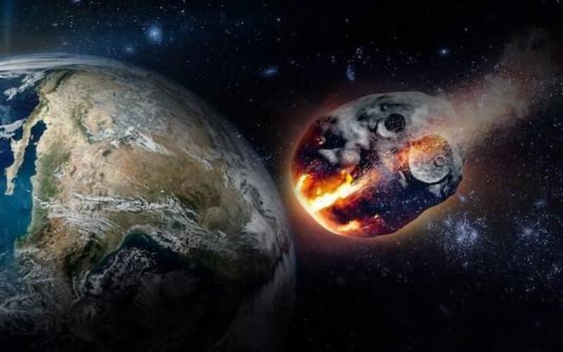 Asteroid melintasi bumi - istimewa
