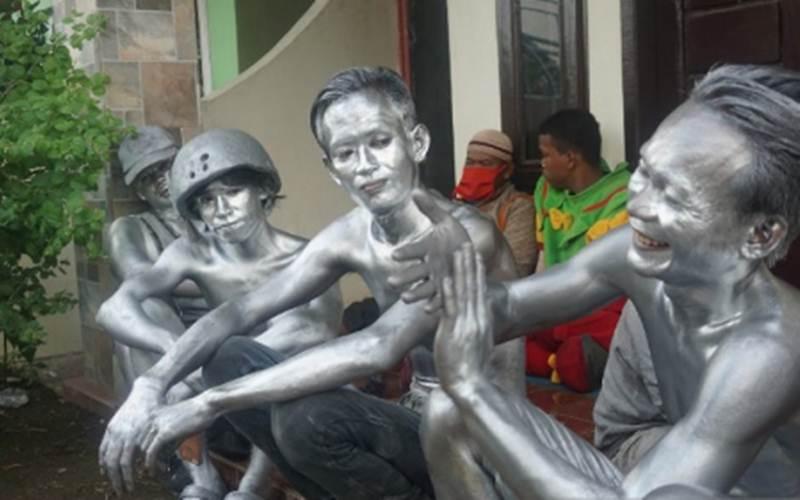 Tujuh Manusia Silver Diamankan dari Jalanan