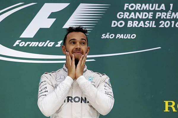 Ilustrasi- Pebalap F1 Lewis Hamilton - Reuters/Nacho Doce