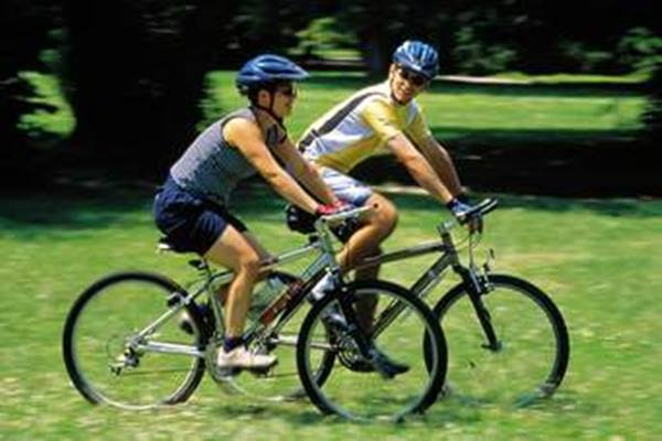 Naik sepeda - Istimewa