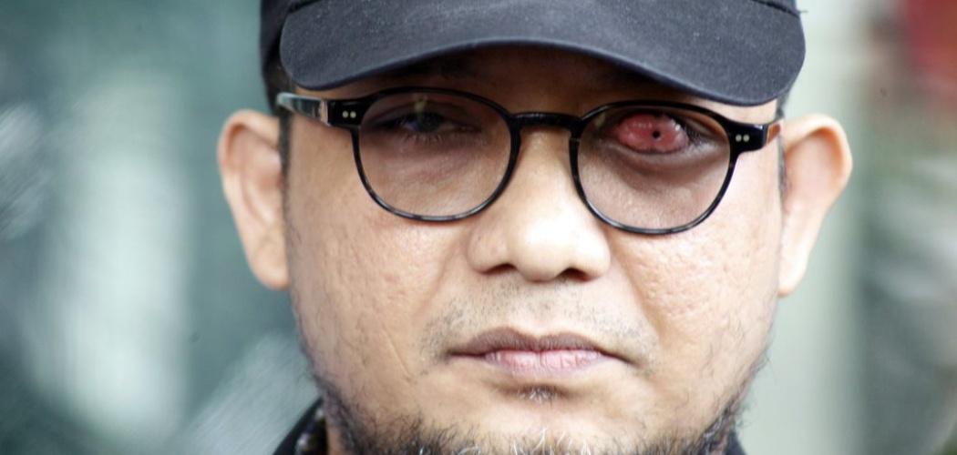 Penyidik Senior Komisi Pemberantasan Korupsi (KPK) Novel Baswedan memberikan keterangan pers di Gedung KPK, Jakarta, Jumat (26/4/2019). - ANTARA FOTO/Yulius Satria Wijaya