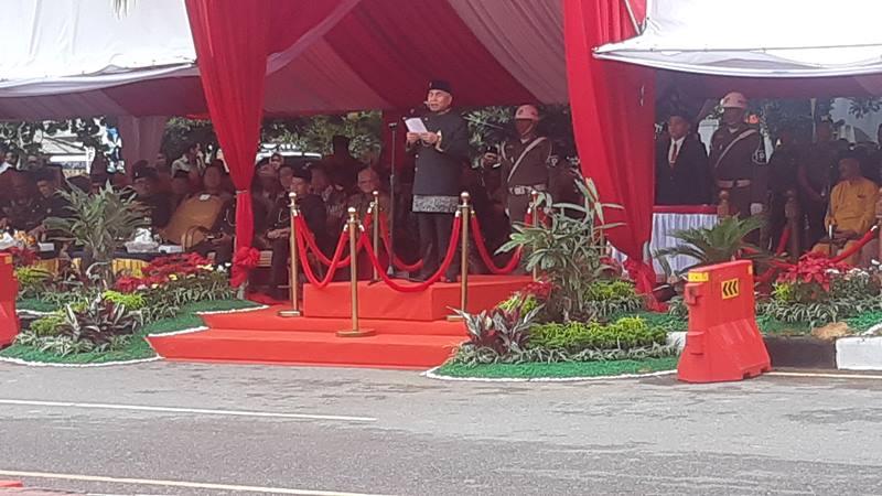 Gubernur Kalimantan Timur, Isran Noor hadir menyampaikan pidato pada acara yang bertema Balikpapan Nyaman Penyangga Ibu Kota Negara., dalam rangka HUT ke-123 Kota Balikpapan, Senin (10/2/2020). JIBI - Bisnis/Jaffry Prabu Prakoso.