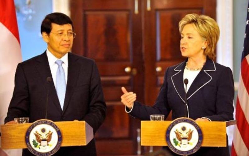 Dokumentasi - Hassan Wirajuda dan Hillary Clinton - www.state.gov