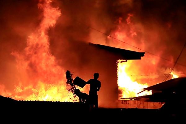Ilustrasi kebakaran. - Reuters/Romeo Ranoco