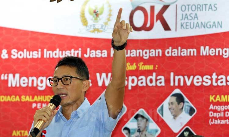 Pengusaha Sandiaga Uno memberikan pemaparan saat acara Edukasi Industri Jasa Keuangan bertema Mengenal dan Waspada Investasi Ilegal di Jakarta, Senin (9/3/2020). Bisnis - Eusebio Chrysnamurti