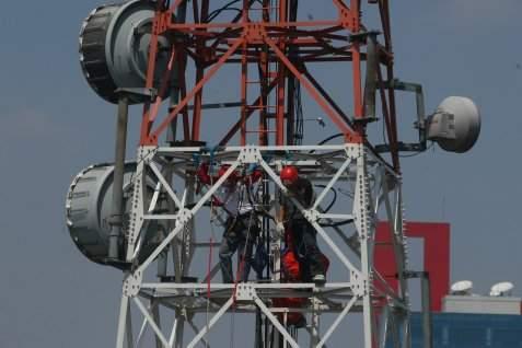 Jaringan menara BTS (base transceiver station)