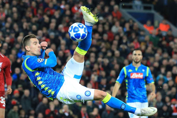 Striker Napoli Arkadiusz Milik/Reuters - Jon Super