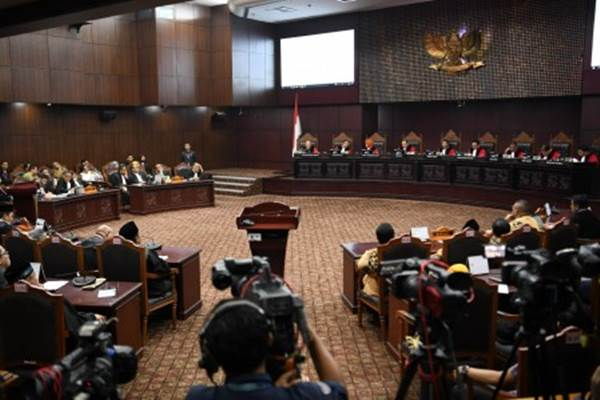 Suasana sidang di Gedung Mahkamah Konstitusi, Jakarta. - Antara/Hafidz Mubarak