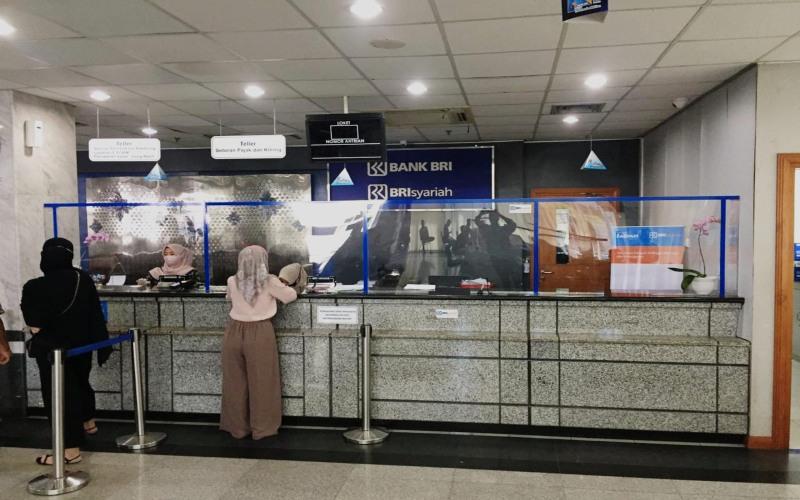 Aktivitas di salah satu kantor cabang BRI Syariah. - Doc. BRI Syariah