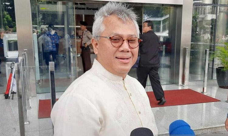 Ketua Komisi Pemilihan Umum (KPU) Arief Budiman tiba di gedung KPK, Jakarta, Jumat (28/2/2020) untuk menjalani pemeriksaan. - Antara/Benardy Ferdiansyah