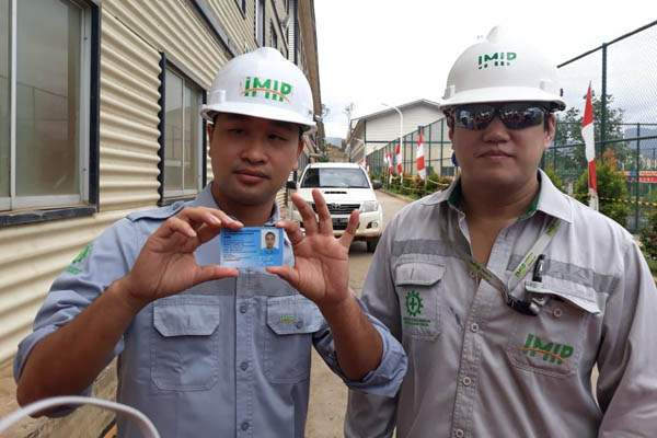 Tenaga kerja sala China yang dipekerjakan di Kawasan Industri Morowali./ - Bisnis/David Eka Issetiabudi.
