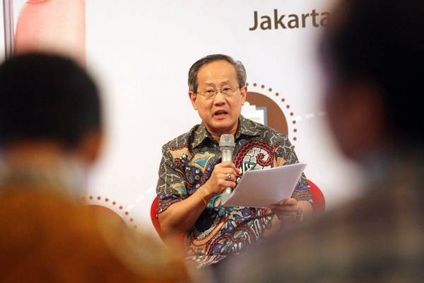 President Director & CEO PT Asuransi Jiwa Sequis Life Tatang Widjaja memberikan penjelasan mengenai layanan digital Sequis Polisku pada acara peluncuran di Jakarta, Selasa (8/5/2018). - JIBI/Dedi Gunawan