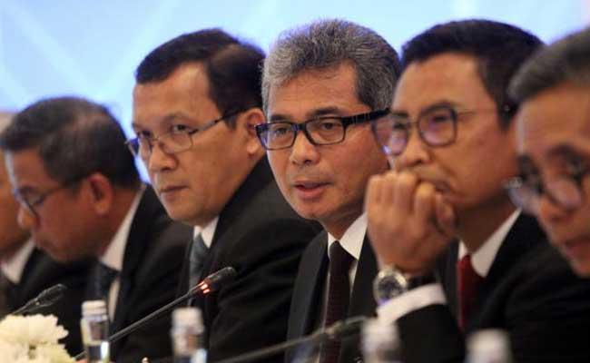 Direktur Utama PT Bank Rakyat Indonesia Tbk Sunarso (tengah), didampingi direksi lainnya memberikan penjelasan mengenai kinerja perusahaan di Jakarta, Kamis (23/1/2020). Bisnis - Dedi Gunawan