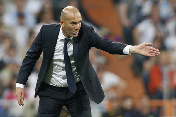 Pelatih Real Madrid Zinedine Zidane - Reuters
