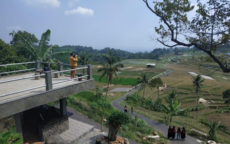 Salah satu spot wisata di Majalengka yang membutuhkan perhatian khusus jaringan telekomunikasi - Bisnis/Leo Dwi Jatmiko