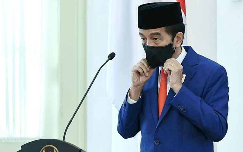 Presiden Joko Widodo memberikan amanat saat memimpin upacara peringatan Hari Lahir Pancasila secara virtual di Istana Bogor, Jawa Barat, Senin (1/6/2020). - ANTARA/BPMI Setpres/Handout