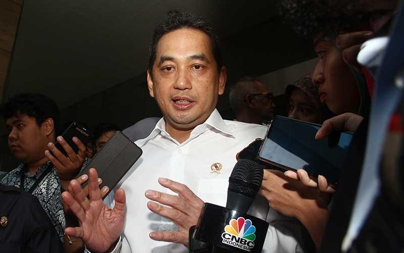 Menteri Perdagangan Agus Suparmanto memberikan keterangan pers mengenai kajian pembatasan impor produk Cina, Jakarta, Senin (3/1 - 2020). Bisnis