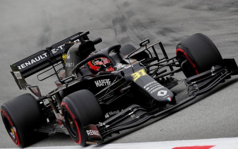 Pebalap tim Renault Esteban Ocon menjalani sesi tes pramusim di Sirkuit Barcelona-Catalunya, Spanyol. (28/2/2020)/Antara - Reuters/Albert Gea