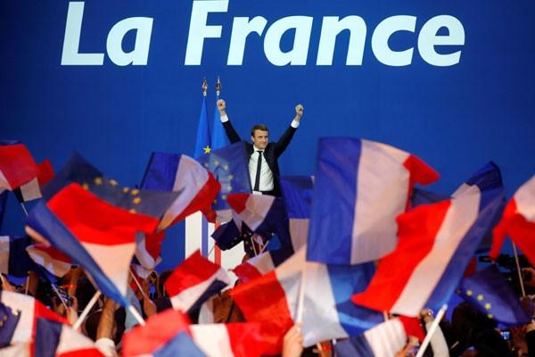 Dokumentasi - Emmanuel Macron, kepala gerakan politik En Marche!, atau Onwards! terpilih menjadi Presiden Prancis berdasarkan hasil Pemilihan Umum Presiden Prancis pada Minggu (7/5/2017). - Antara
