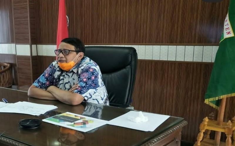 Gubernur Banten Wahidin Halim saat telekonferensi