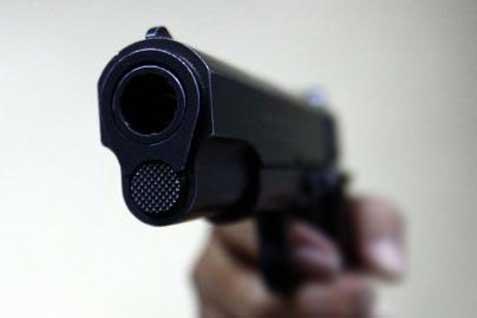 Polisi menembak pelaku penyerangan di Mapolres Oki.
