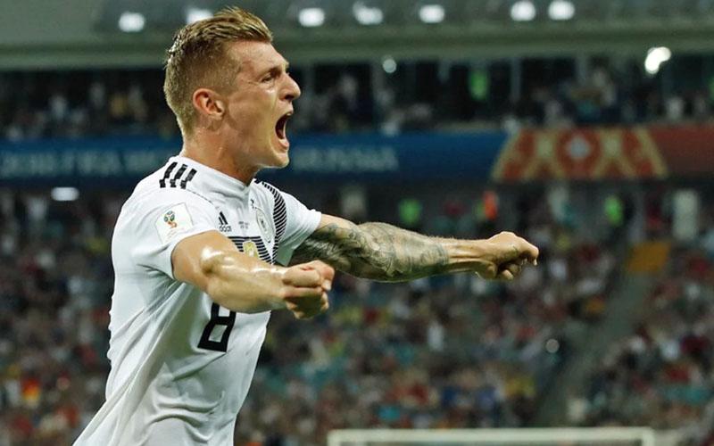 Gelandang serang Real Madrid Toni Kroos - Bundesliga.com