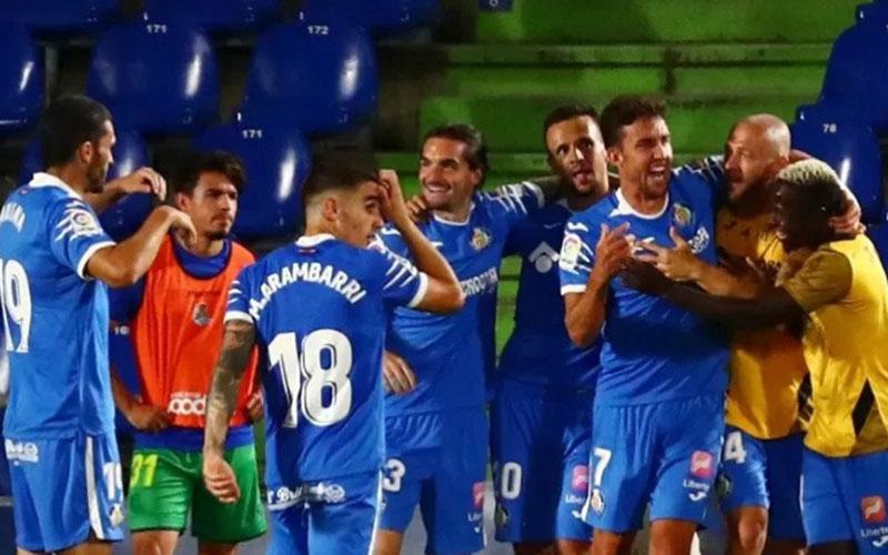 Para pemain Getafe bersukacita selepas menjebol gawang Real Sociedad./Antara - Reuters