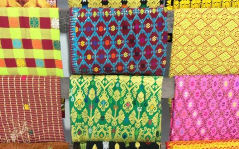 Berbagai motif batik sasambo khas Nusa Tenggara Barat. - Infobatik.id