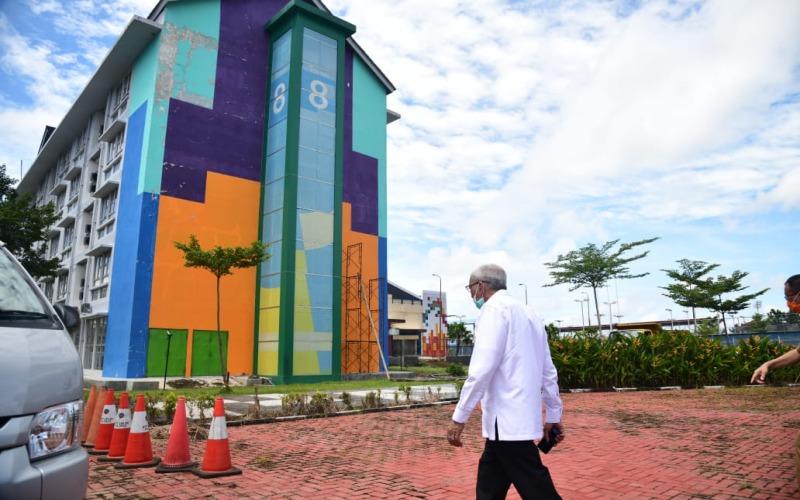 Wakil Gubernur Sumsel Mawardi Yahya meninjau tower 8 Wisma Atlet Jakabaring Sport City untuk PDP Covid/19. istimewa