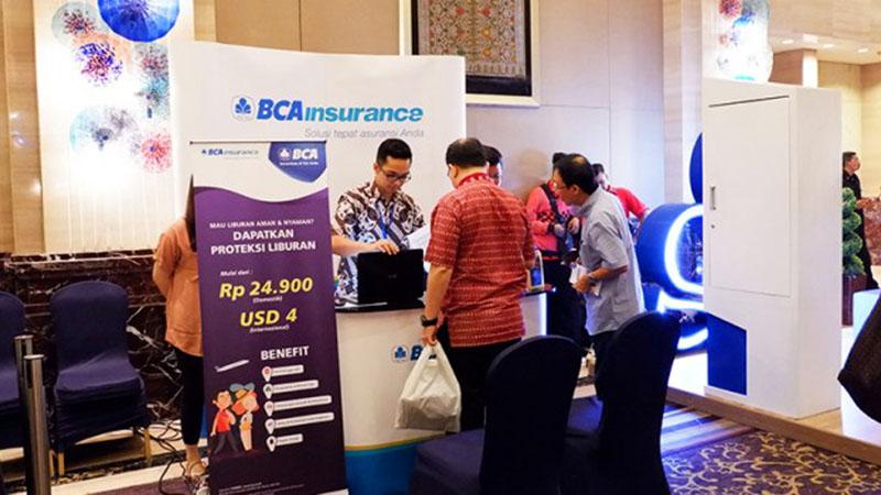 Kegiatan di salah satu kantor cabang Asuransi Umum BCA (BCA Insurance). - BCAInsurance.co.id