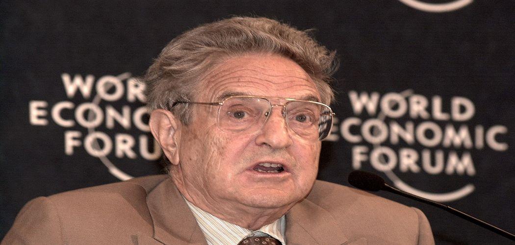 Geoge Soros berbicara di Forum Ekonomi Dunia (WEF) 2003 - Bloomberg / Costa Anastasakis