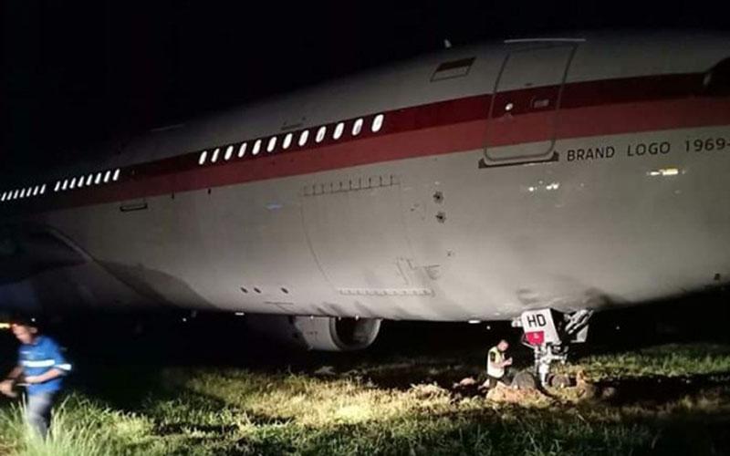 Pesawat Garuda Indonesia tergelincir di Bandara Internasional Sultan Hasanuddin di Makassar, Sulawesi Selatan, pada Rabu (1/7/2020) pk. 18.56 Wita. - Istimewa