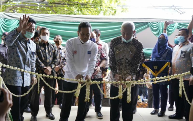 Menteri Perdagangan Agus Suparman (tengah) meresmikan Pasar Gentan di Kabupaten Sleman, Daerah Istimewa Yogyakarta pada Kamis 2 Juli 2020. - istimewa