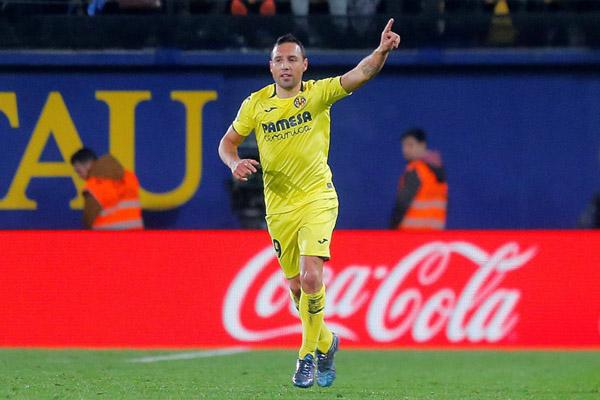 Gelandang Villarreal Santi Cazorla/Reuters - Heino Kalis