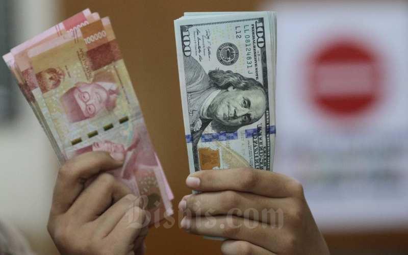Kurs Jual Beli Dolar As Di Bank Mandiri Dan Bca 3 Juli 2020 Finansial Bisnis Com
