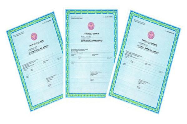 Ilustrasi-Akta kelahiran. Warga OKI tidak perlu lagi datang ke Kantor Disdukcapil untuk mengambil dokumen kependudukan yang diurusnya. - gkj.or.id