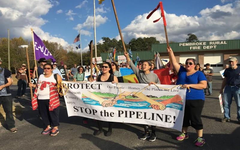 Warga Indian Amerika memprotes rencana pembangunan pipa gas Pesisir Atlantic. - Istimewa/energynews.us
