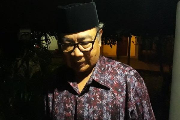 Mantan Gubernur Bank Indonesia Burhanuddin Abdullah periode 2003 - 2008 saat melayat Rachmat Saleh di rumah duka kawasan Ampera, Jakarta Selatan.Bisnis - Nirmala Aninda
