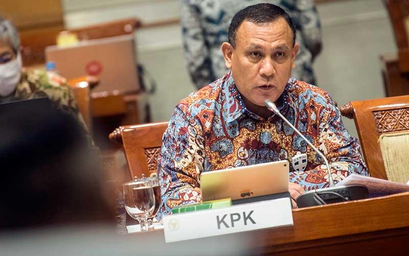 Ilustrasi rapat KPK dan DPR - Ketua KPK Firli Bahuri menyampaikan tanggapannya saat mengikuti Rapat Dengar Pendapat dengan Komisi III DPR di komplek Parlemen, Jakarta, Kamis (25/6/2020). ANTARA FOTO - Muhammad Adimaja