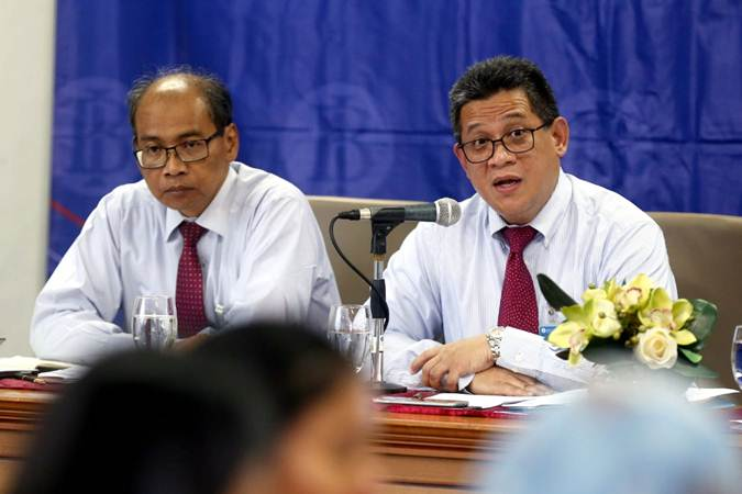 Direktur Eksekutif, Kepala Departemen Sumber Daya Manusia Doni P. Joewono (kanan) ketika menjabat sebagai Kepala Perwakilan BI Jawa Barat, Senin (25/3/2019). - Bisnis/Rachman
