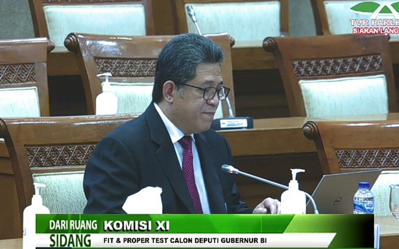 Calon Deputi Gubernur Bank Indonesia Doni Joewono dalam fit and proper test di Komisi XI DPR RI, Rabu (8/7 - 2020)