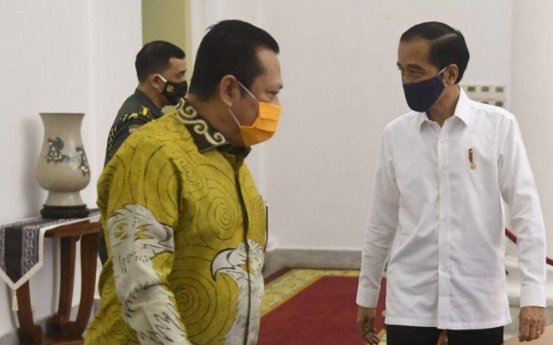 Presiden Joko Widodo menerima pimpinan MPR RI di Istana Kepresidenan Bogor, Rabu (8/7/2020 - Antara  -  (Akbar Nugroho Gumay)